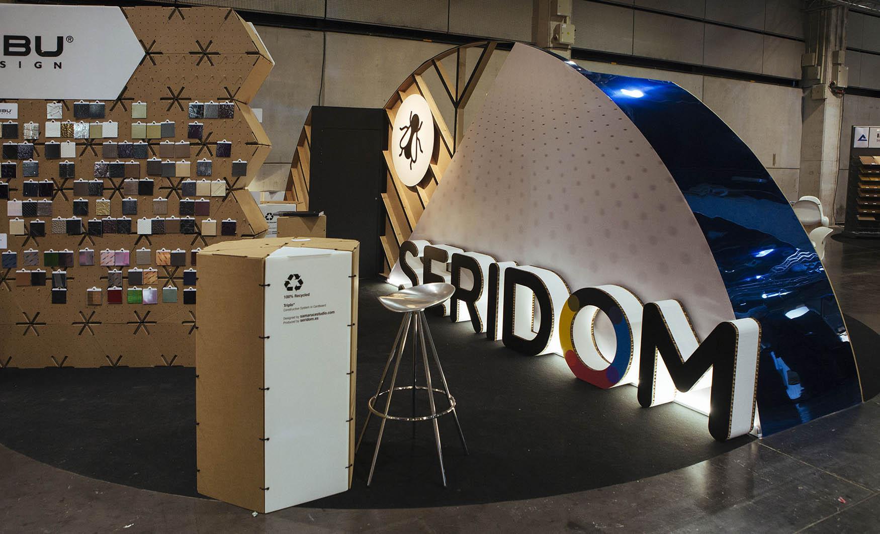 Diseño y montaje stand Triplo* para Seridom en Maderalia Valencia