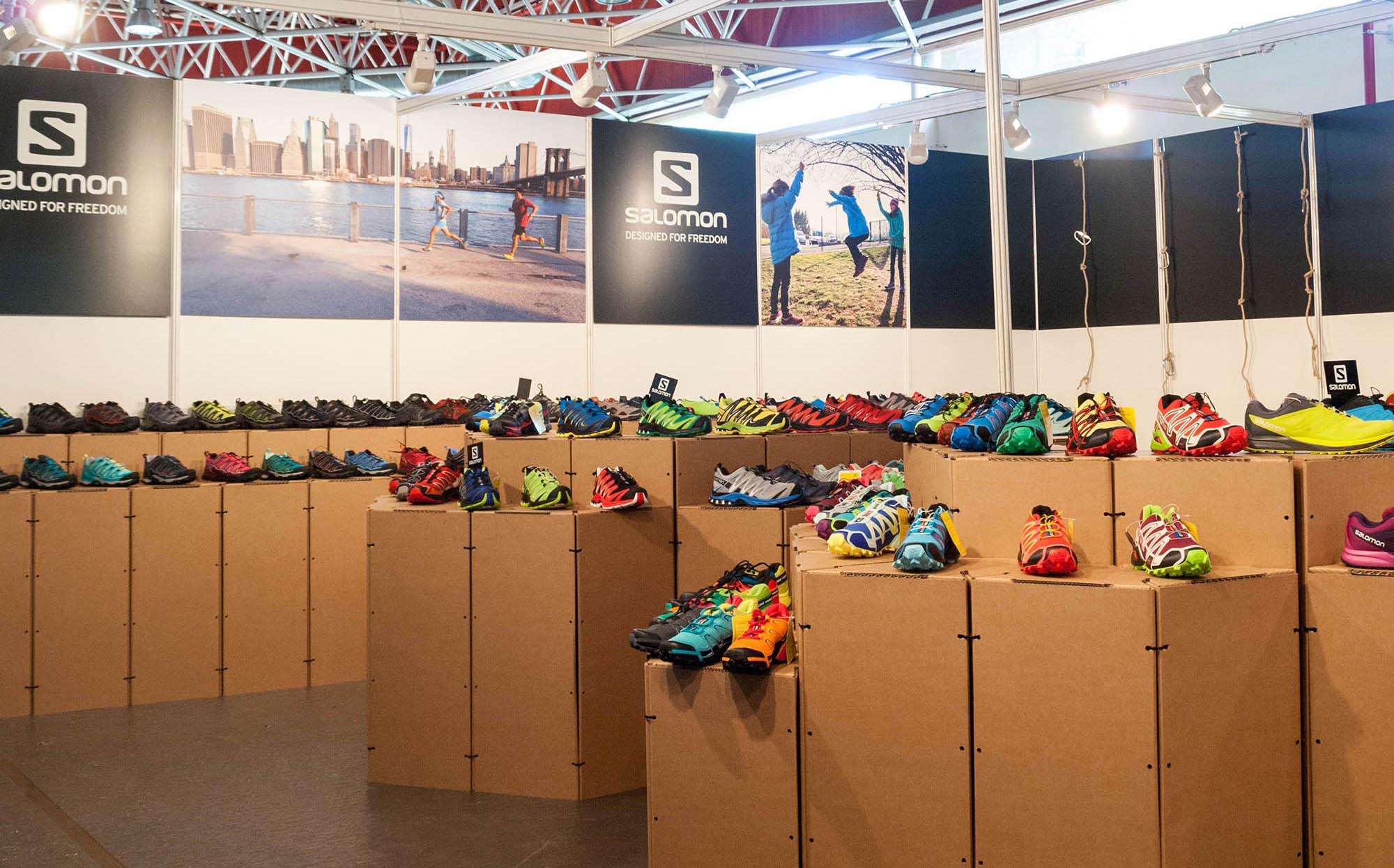 Stand para la Convención BASE diseñado por Fran Sabater Samaruc Estudio utilizando Triplo* Sistema Constructivo en Cartón para Salomon Barcelona Amer Sports