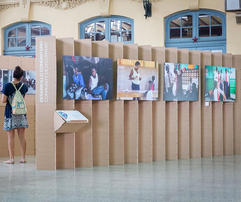 Exposición Triplo* ONG Techo Alberto Pla Estación Norte Valencia